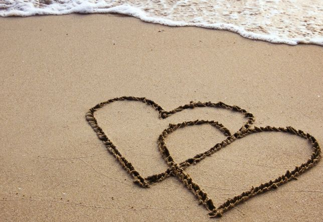 hearts-in-sand
